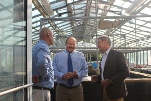 EHHS greenhouse with Governor Lee, Mr. Qualls, and Pricipal Beem
