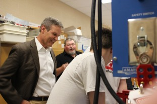 Govenor Lee visits with Mechatronics