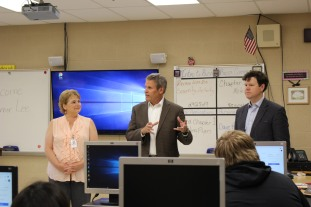 Governor Lee and TN House Representative Curcio visit Business class